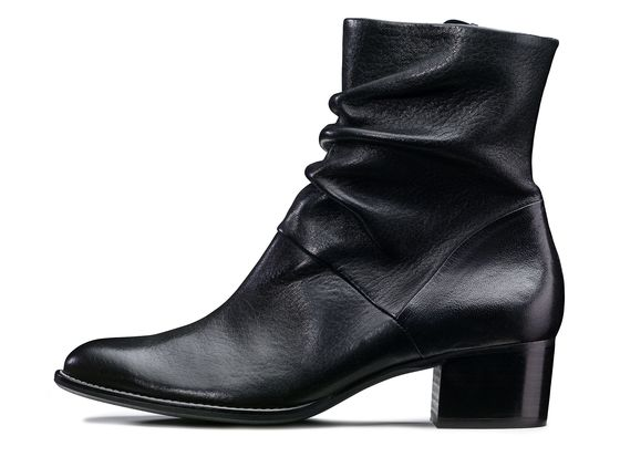 Smart ankle boot