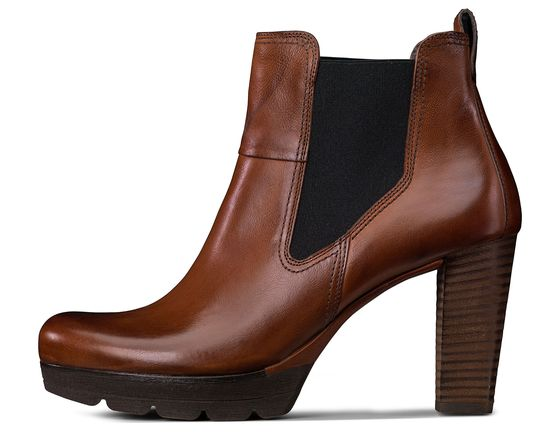 Plateau ankle boots