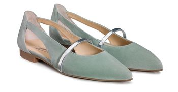 Cut-out ballerina shoes