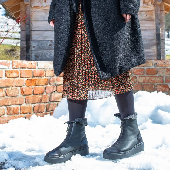 Ankle boot with warm lining in black Paul Green