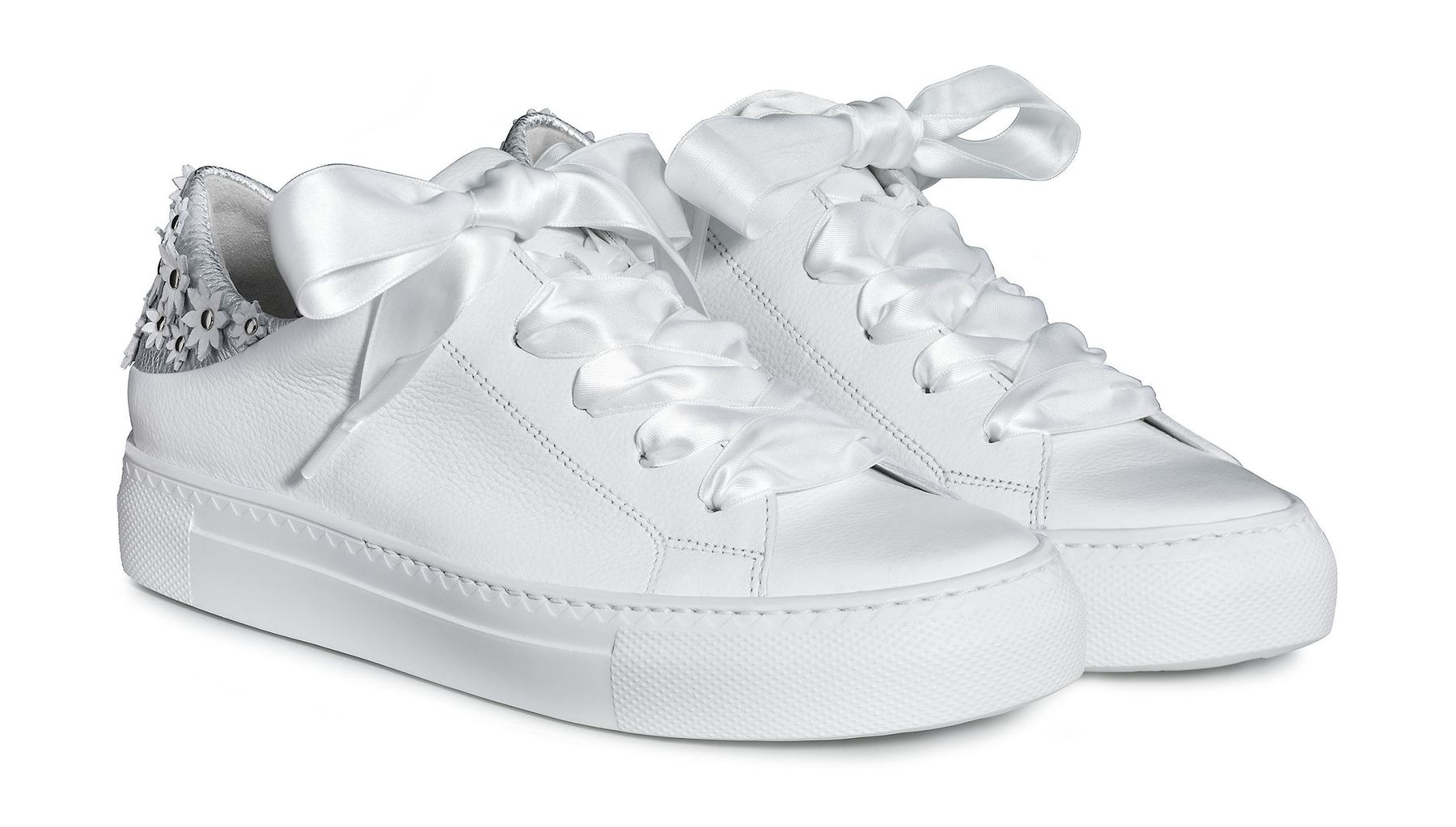 sports shoes 7d9c2 b0373 Pretty pauls with intricate flowers in White - Paul Green