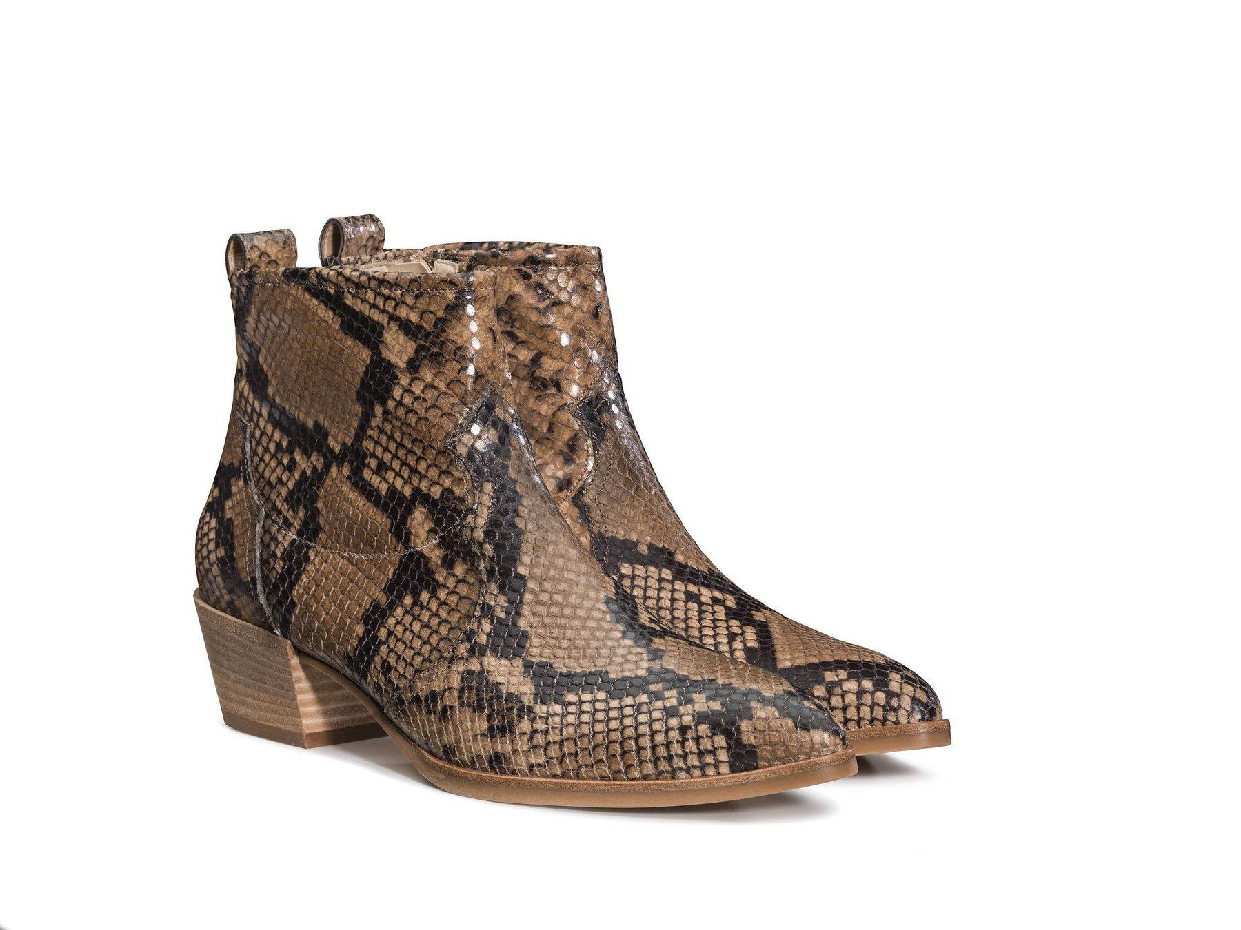 best website 20ae6 f2715 Stylish snake-print ankle boots - Paul Green