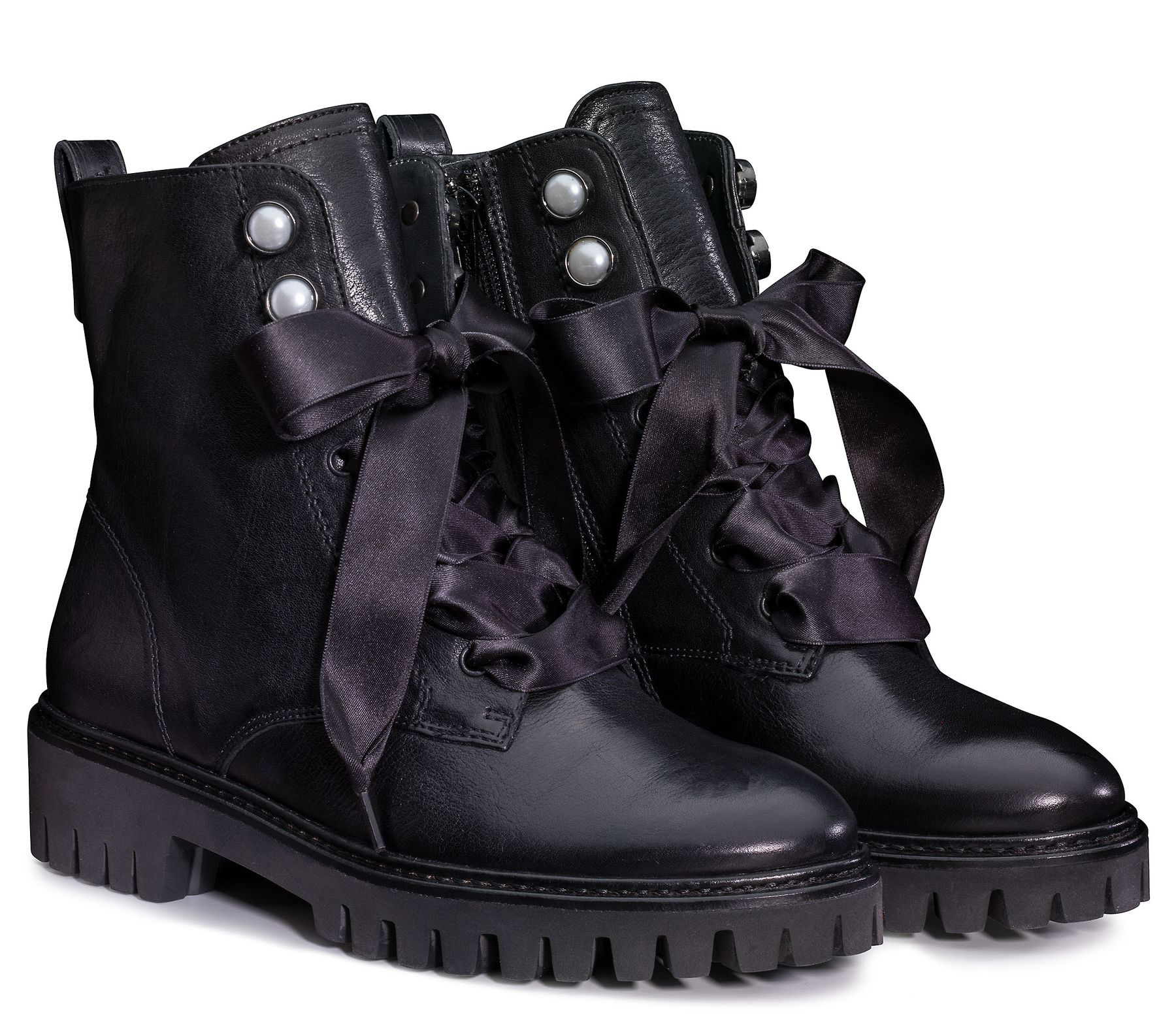 the best attitude f10ba 30dd8 Trendy Lace Up Bootie in black - Paul Green
